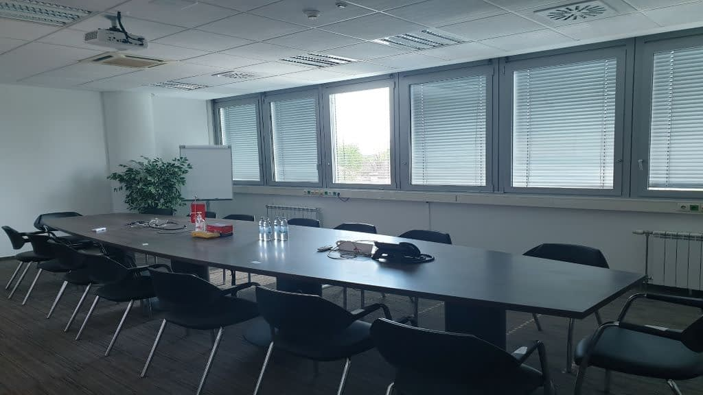 Zagreb, Vukovarska, ured u poslovnoj zgradi, 492m2, 10€/m2